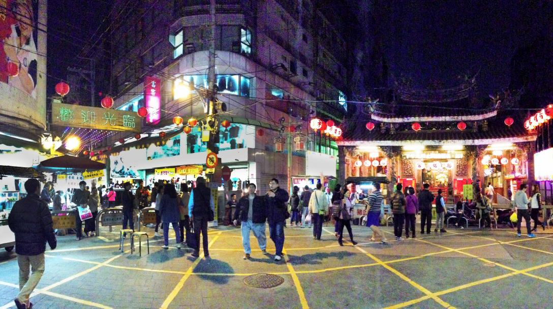 Xinzhuang Old Street Night Market (新莊老街夜市)
