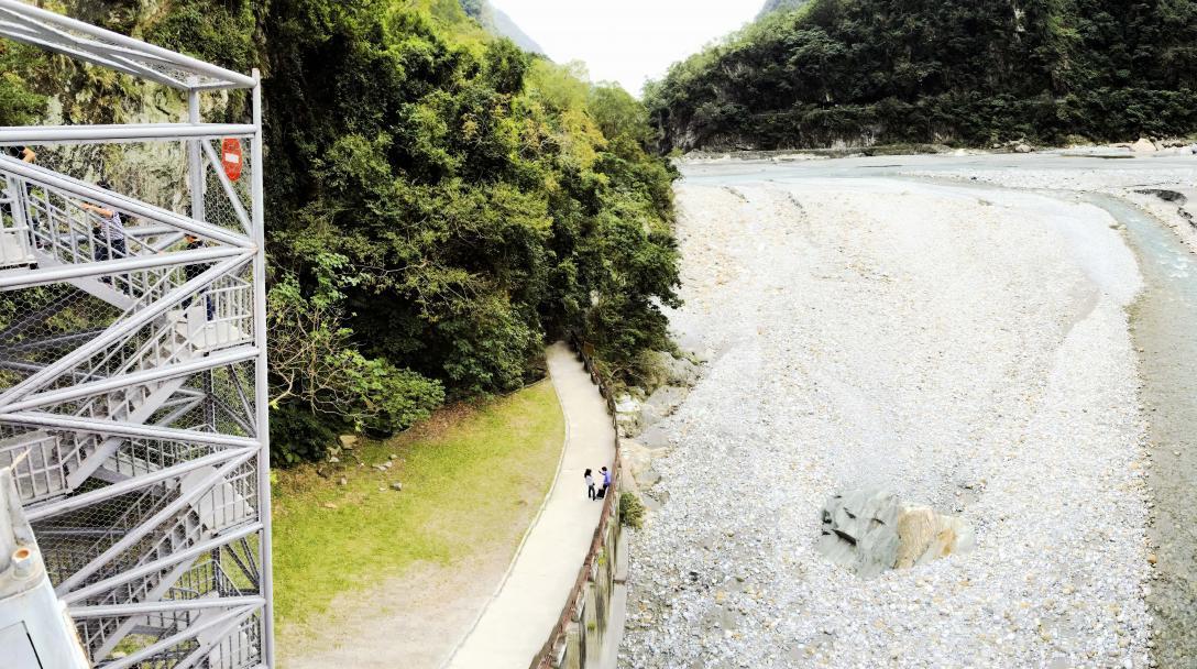 Shakadang Trail (砂卡噹步道)